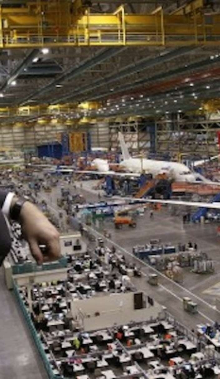 The World's Biggest Building Is So Massive It Supposedly Has in Boeing Everett Factory Google Maps