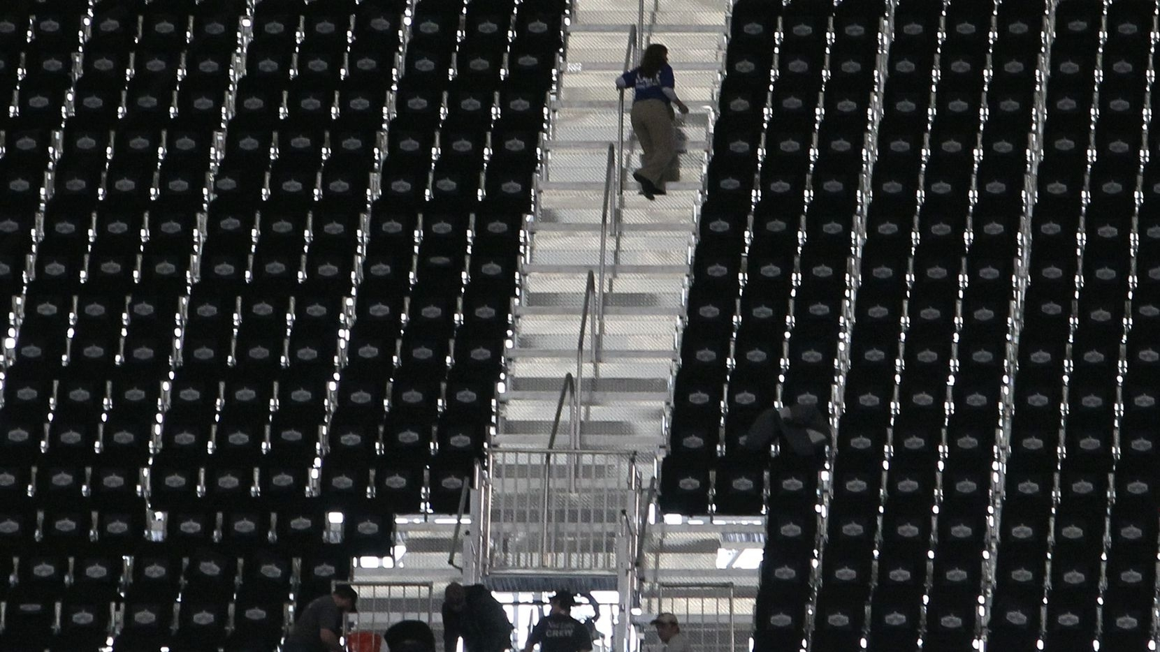 1,250 Fans Displaced After Cowboys Stadium Failed To Have regarding Super Bowl Xlv Seating Problems