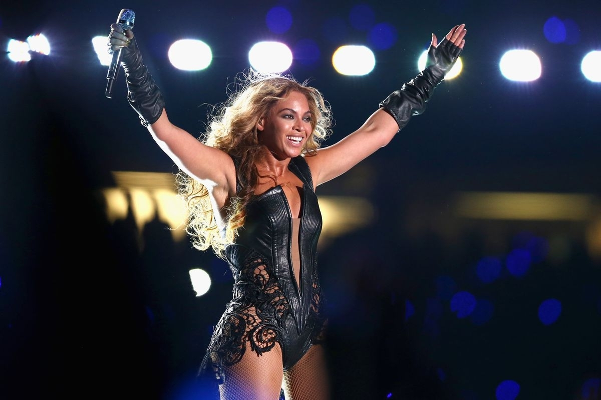 Beyoncé And Bruno Mars Join Coldplay For The Super Bowl 50 with regard to Beyonce Super Bowl 2013