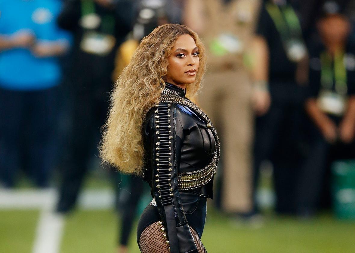 "Beyoncé's Super Bowl Halftime Performance Of ""Formation inside Beyonce Super Bowl 2016"