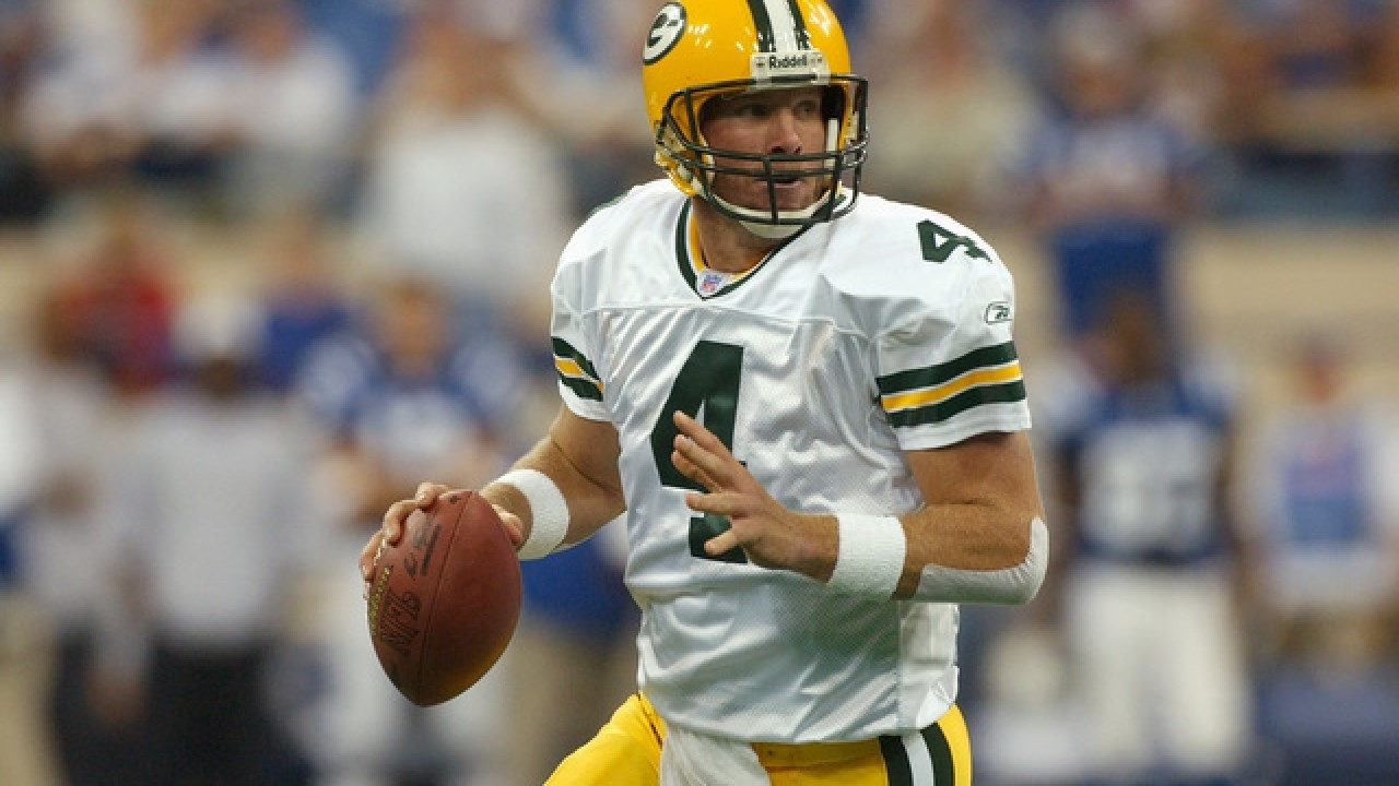 Brett Favre To Help Pump Up Eagles Before Super Bowl inside Brett Favre Super Bowl
