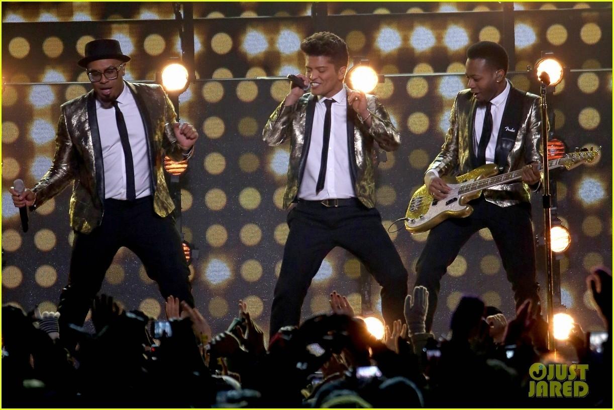 Bruno Mars: Super Bowl Halftime Show 2014 (Video) - Watch within Bruno Mars Super Bowl 2014