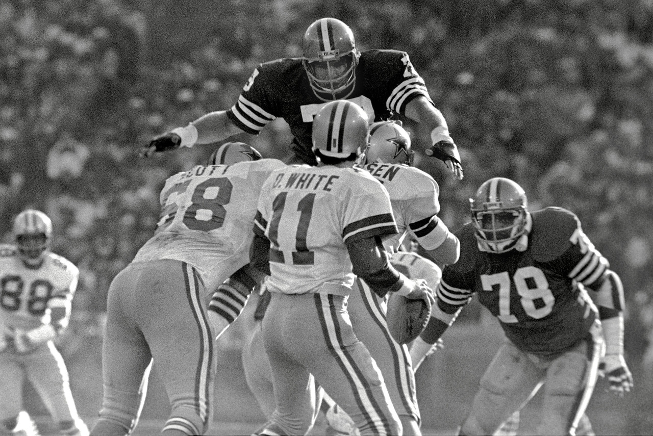 Featured Galleries And Photo Essays Of The Nfl | Nfl throughout San Francisco 49Ers Nfl Championships 1982