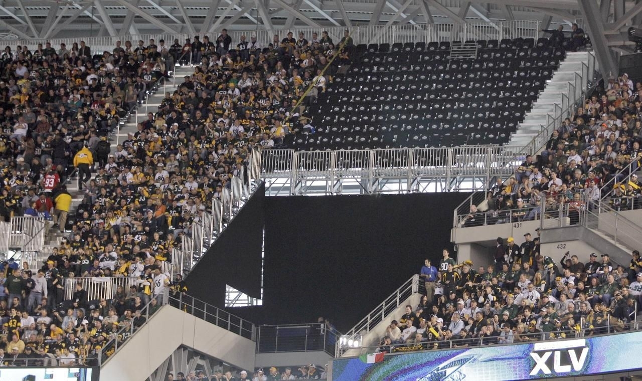 Federal Suit Over Super Bowl Xlv Seating Goes To Trial for Super Bowl Xlv Seating Problems