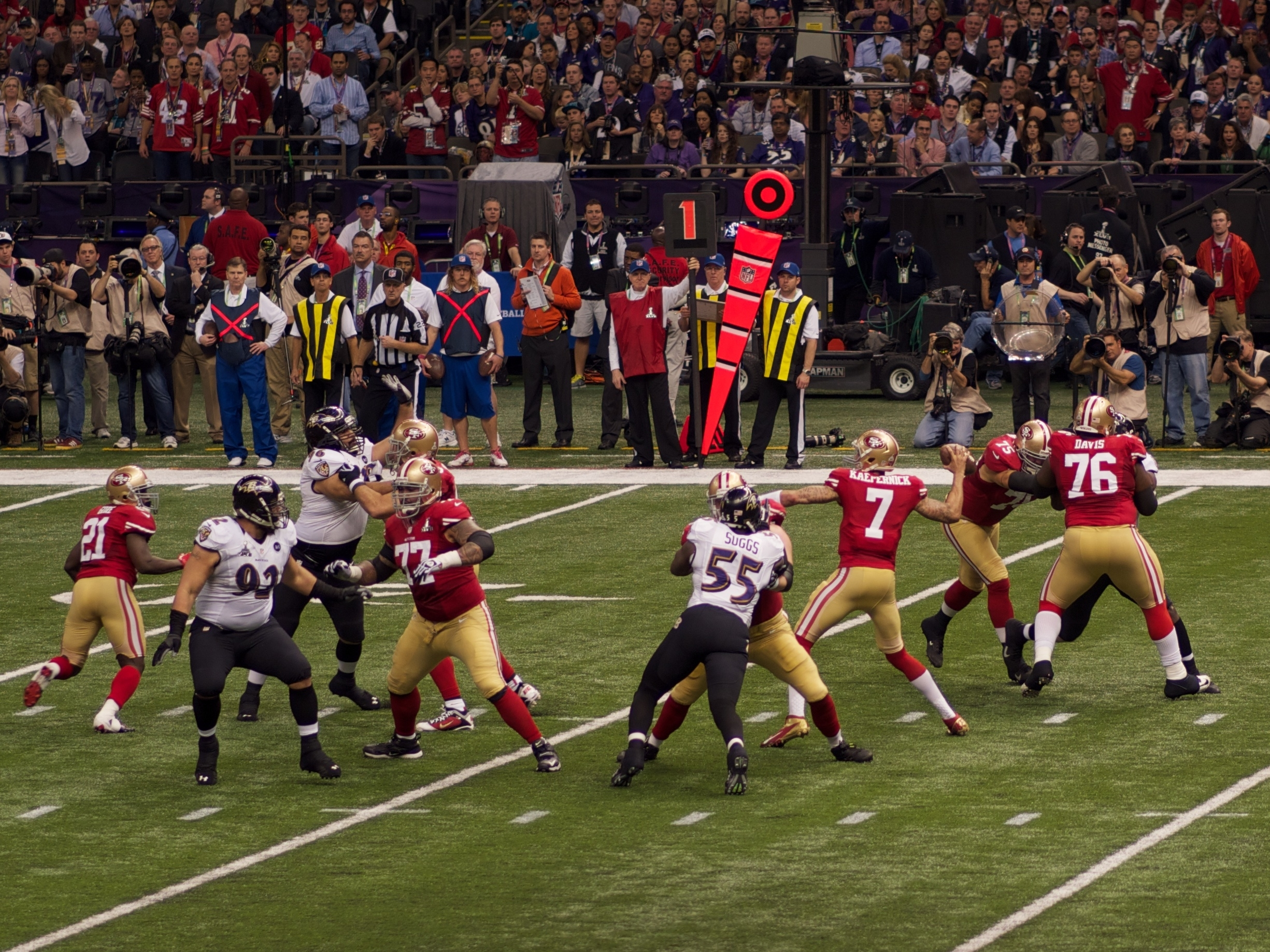 File:colin Kaepernick In Super Bowl Xlvii - Wikimedia with regard to Colin Kaepernick Super Bowl