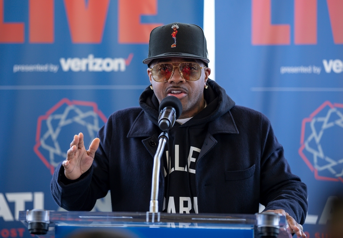 Jermaine Dupri Announces The First Super Bowl Live Acts intended for Andre 3000 Super Bowl