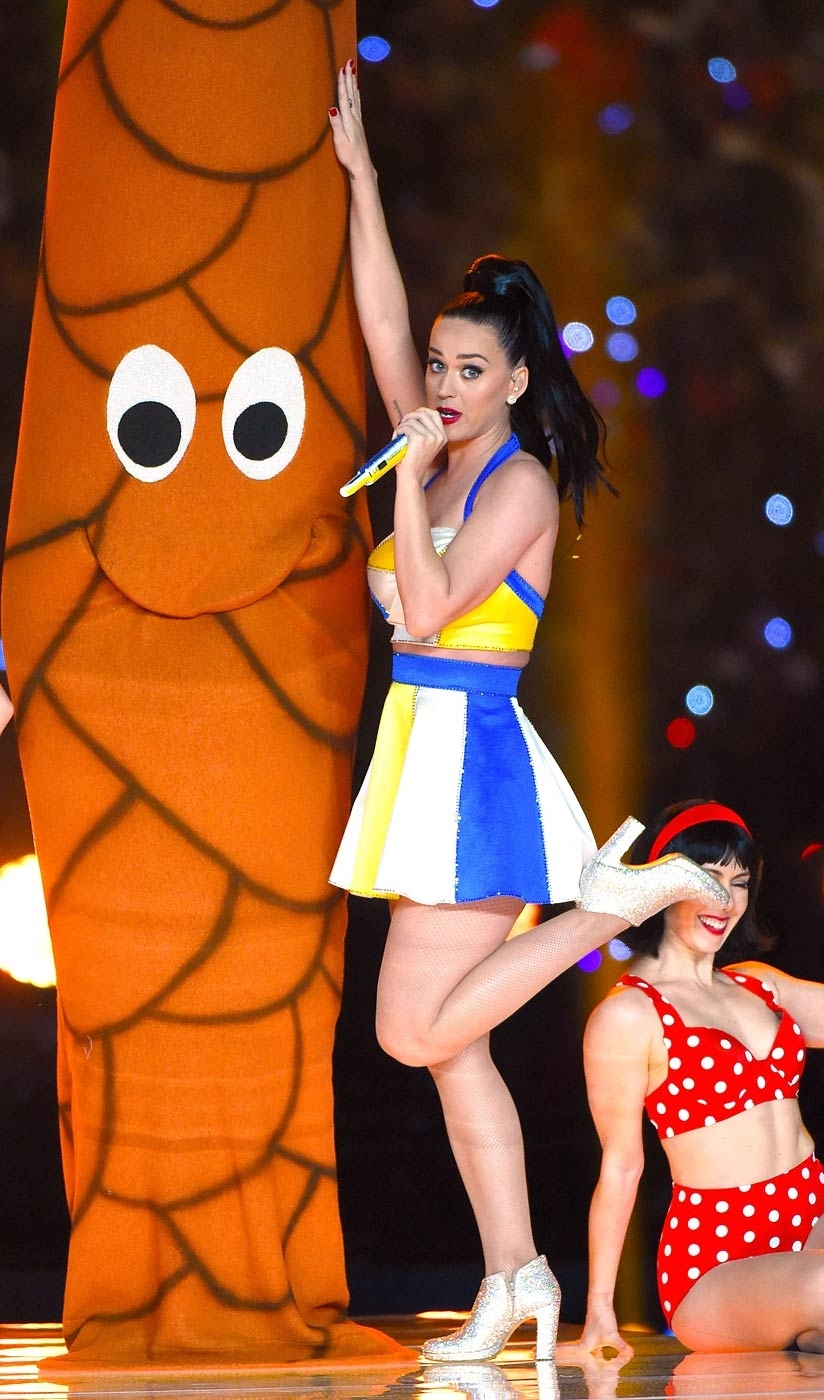 Katy Perry Super Bowl Halftime Show: Palm Tree Dancers Do with regard to Katy Perry Super Bowl