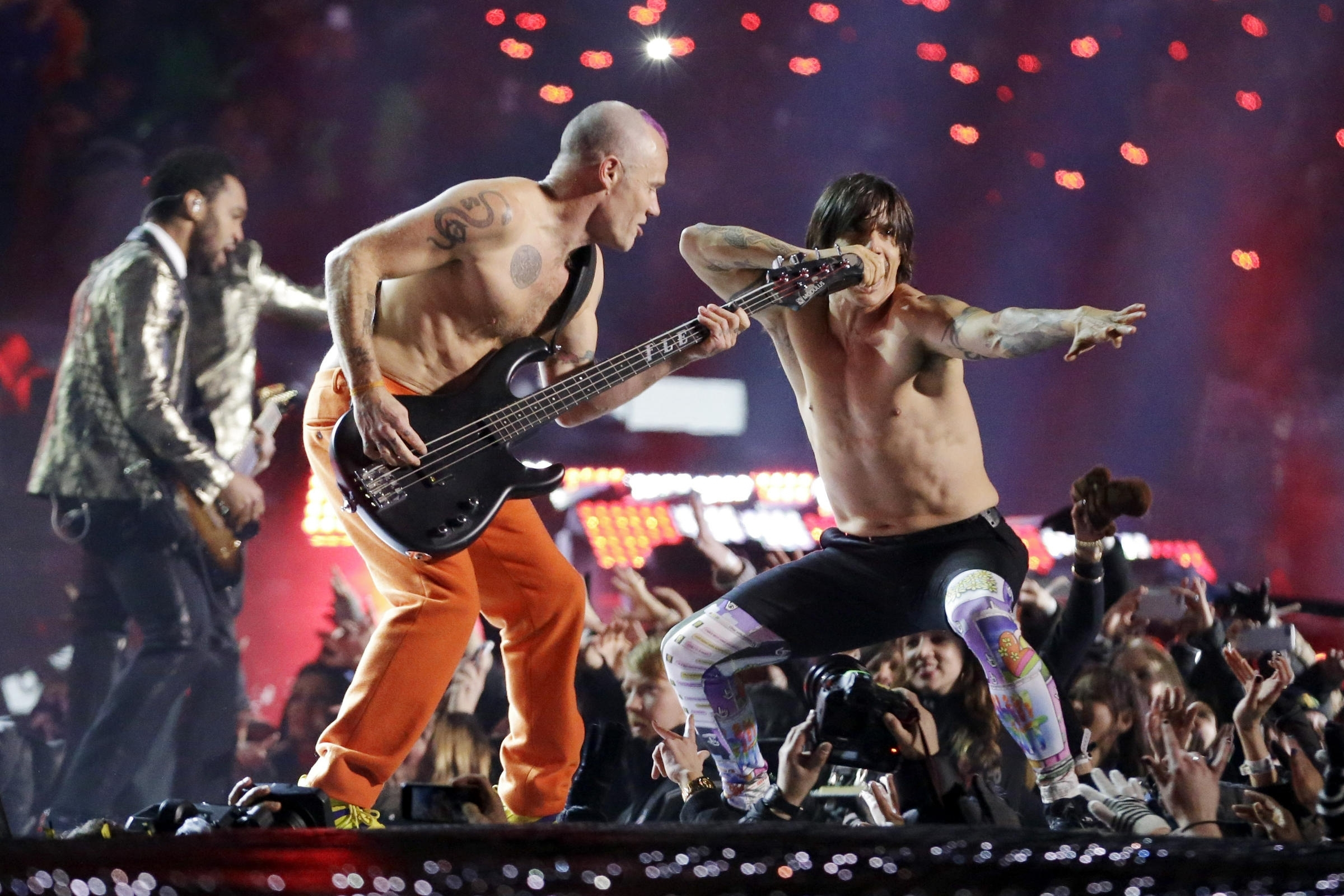 Look Ma, No Cables: Flea Cops To Playing Air Bass At The in Red Hot Chili Peppers Super Bowl