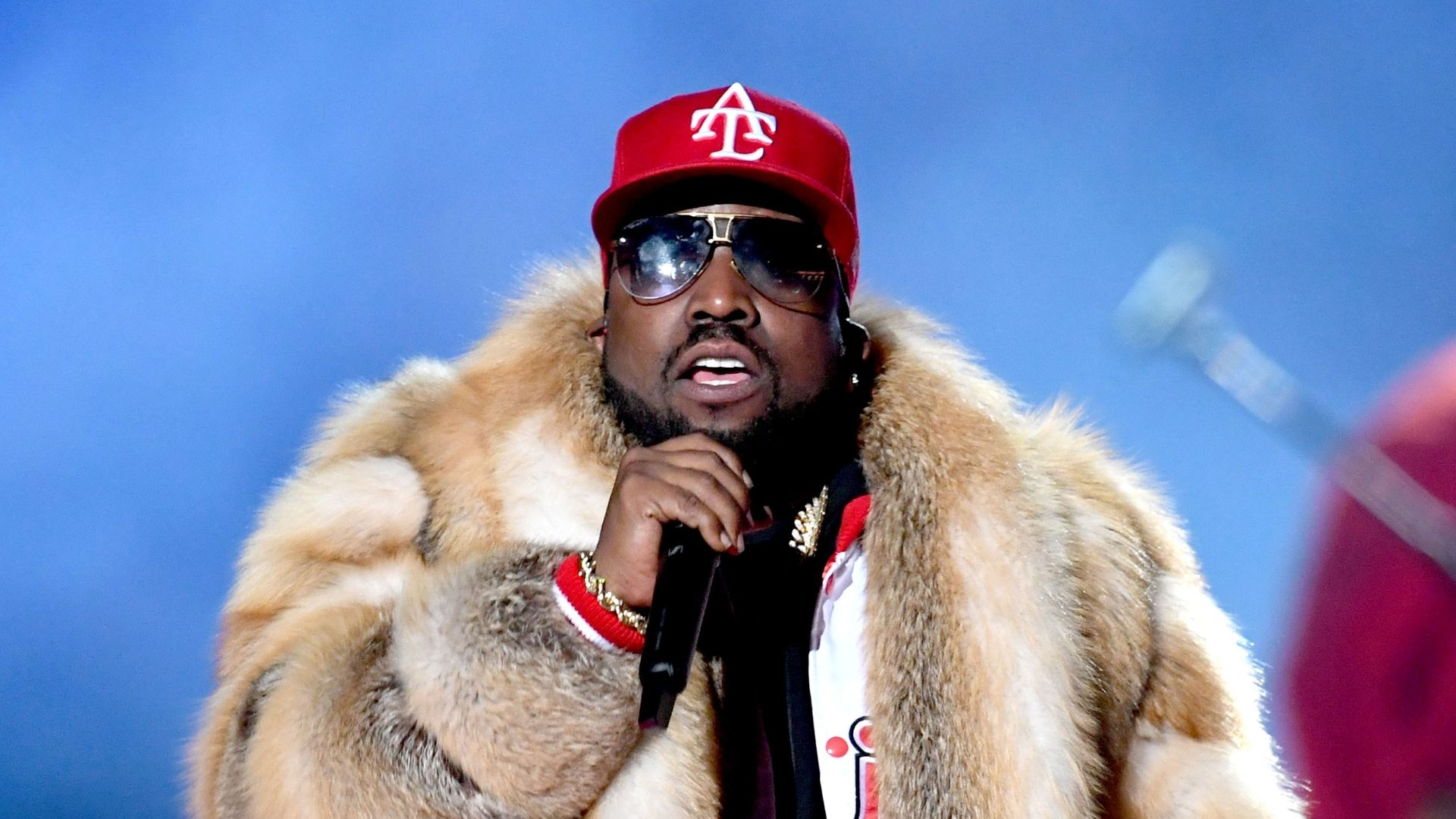 Pelziger Super-Bowl-Gig: Big Boi Soll Seinen Mantel Spenden throughout Big Boi Super Bowl