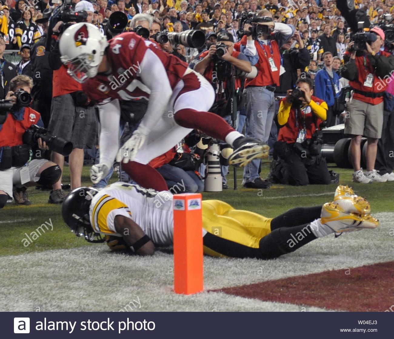 Pittsburgh Steelers Wide Receiver Santonio Holmes Pulls In regarding Steelers Cardinals Super Bowl