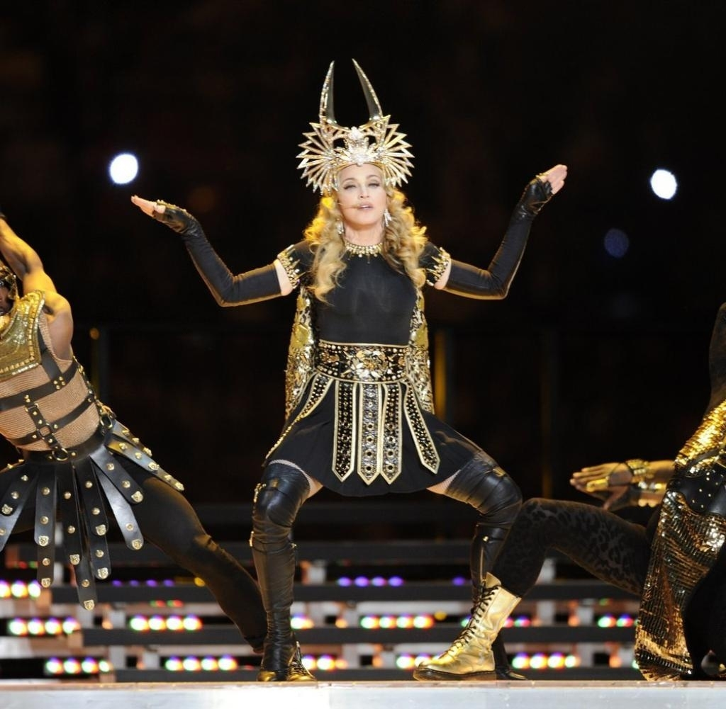 "Pop-Ikone: Mittelfinger-Eklat Bei Madonnas ""super Bowl""-Show with Nicki Minaj Super Bowl"