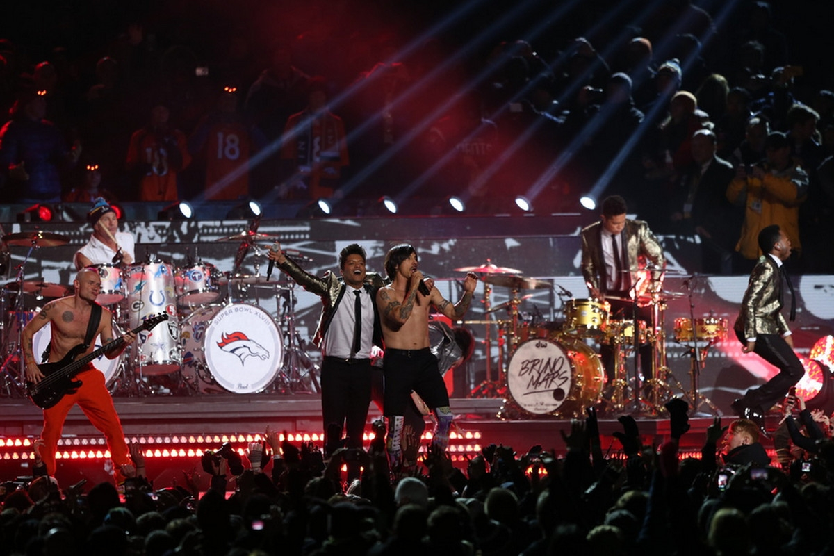 Red Hot Chili Peppers Explain Why They Faked Super Bowl in Red Hot Chili Peppers Super Bowl