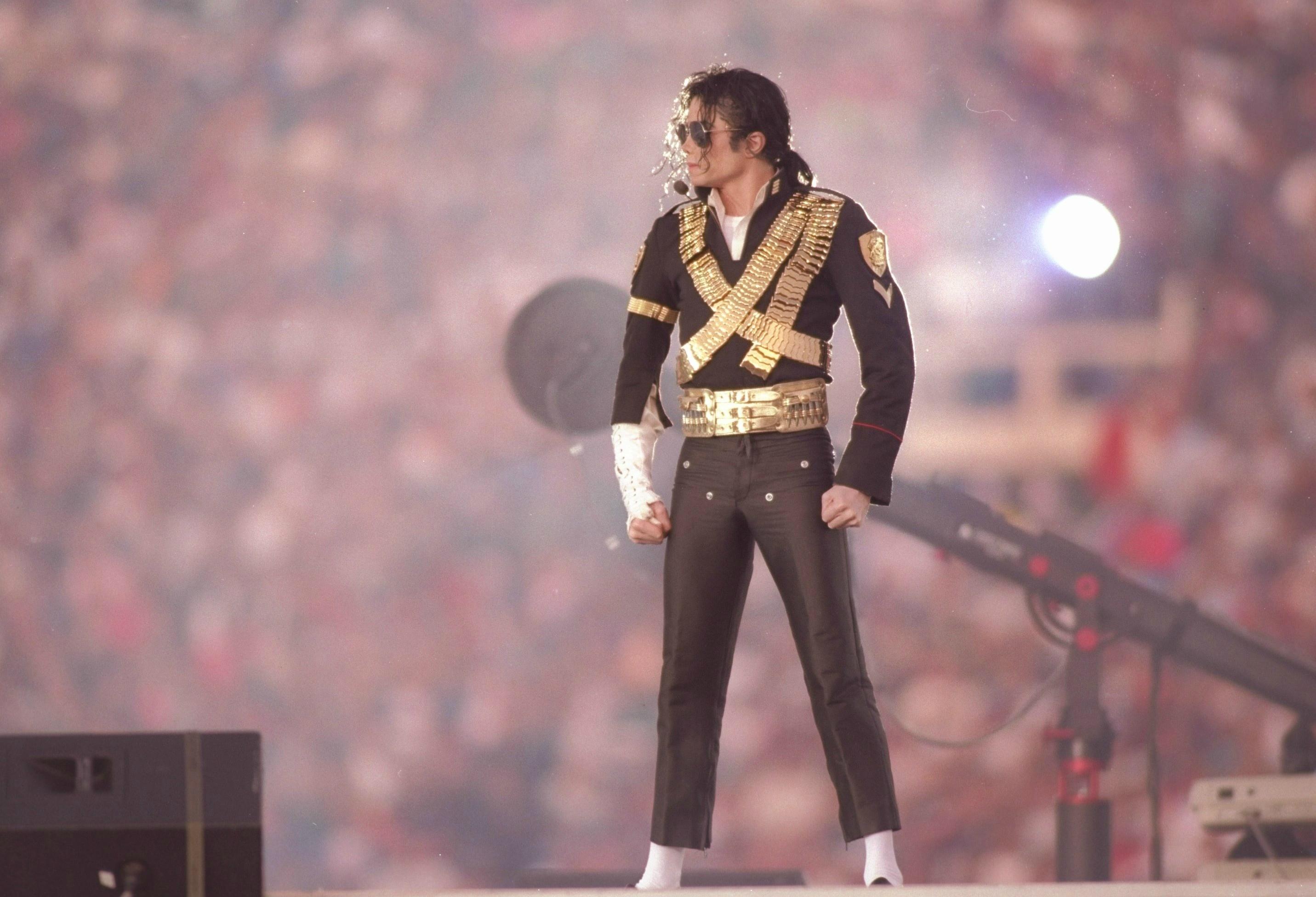 Relive Michael Jackson's Epic Super Bowl Xxvii Performance in Michael Jackson Super Bowl