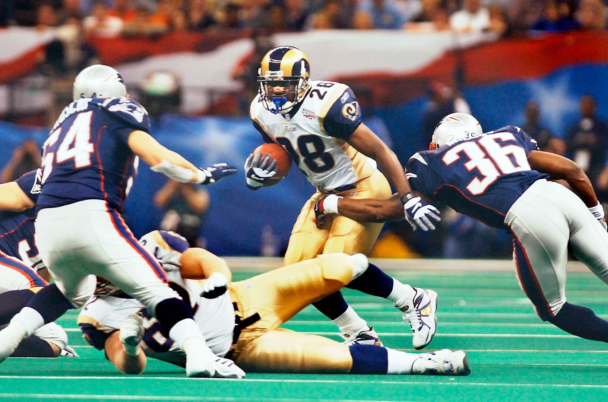 Revisiting Tom Brady's First Super Bowl Win In 2002 | People in St Louis Rams Super Bowl