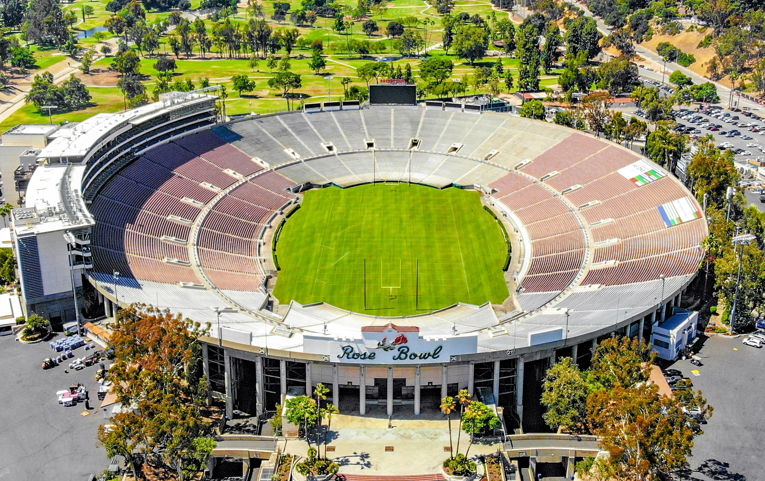 Rose Bowl (Stadium) - Wikipedia intended for Super Bowl Stadium Seating Capacity