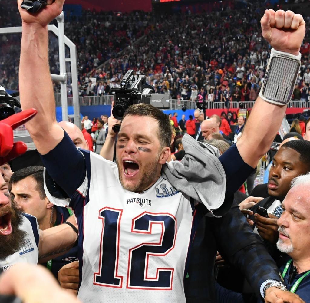 Super Bowl 2019: Maroon 5 Geben Sich In Der Halbzeitshow Die throughout Tom Brady Super Bowl 2019