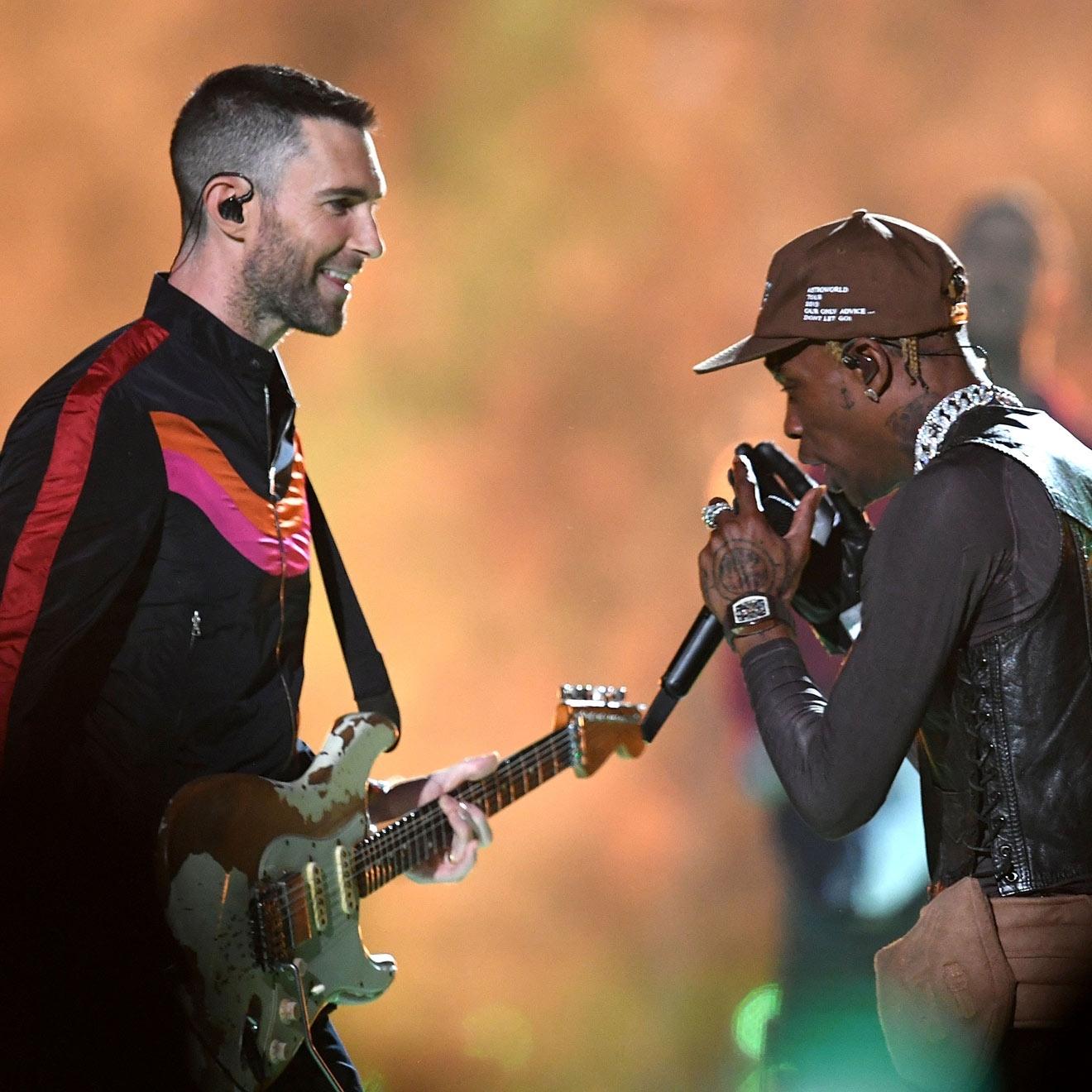 Super Bowl 2019: So Macht Sich Das Netz Über Maroon 5 Und inside Travis Scott Maroon 5