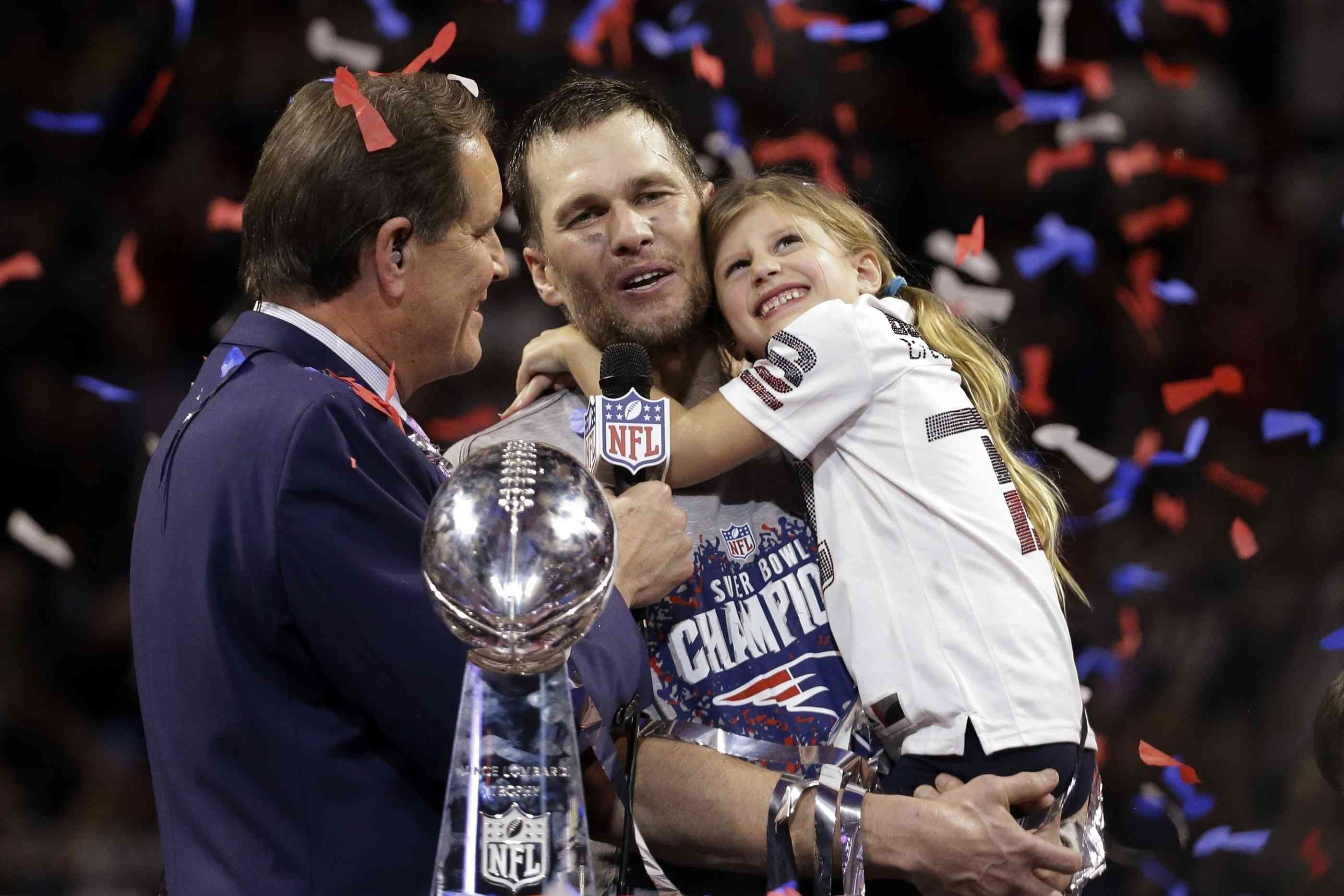 Super Bowl 2019: Tom Brady Feiert 6. Titel Mit Seiner inside Super Bowl 2019 Tom Brady