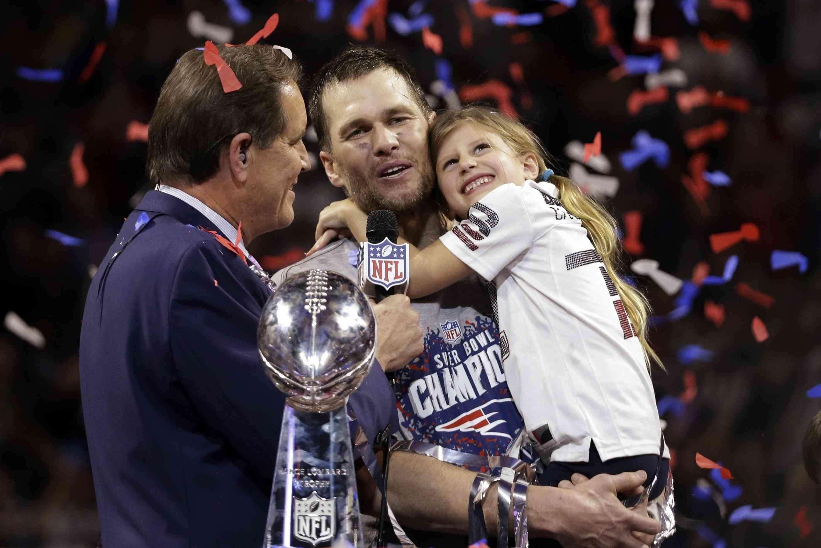 Super Bowl 2019: Tom Brady Feiert 6. Titel Mit Seiner inside Super Bowl 2019 Tom Brady