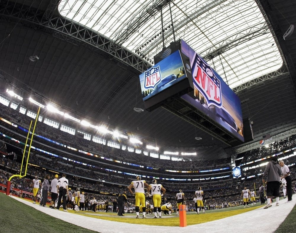 Super Bowl Fans Miss Out Because Seats Unsafe   Mpr News intended for Super Bowl Xlv Seating Problems