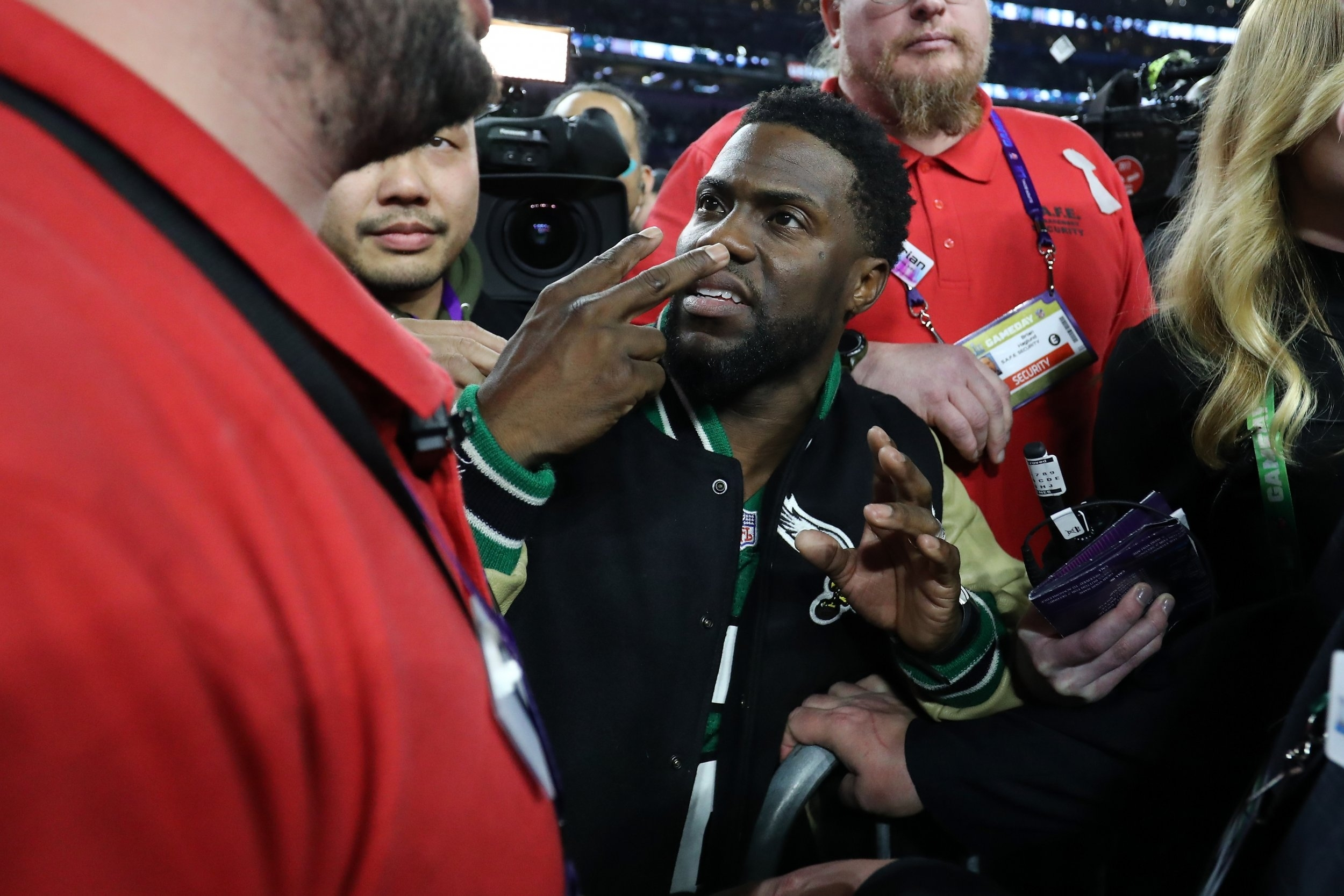 Watch Kevin Hart Instagram Video After Getting Drunk, Trying pertaining to Kevin Hart Super Bowl