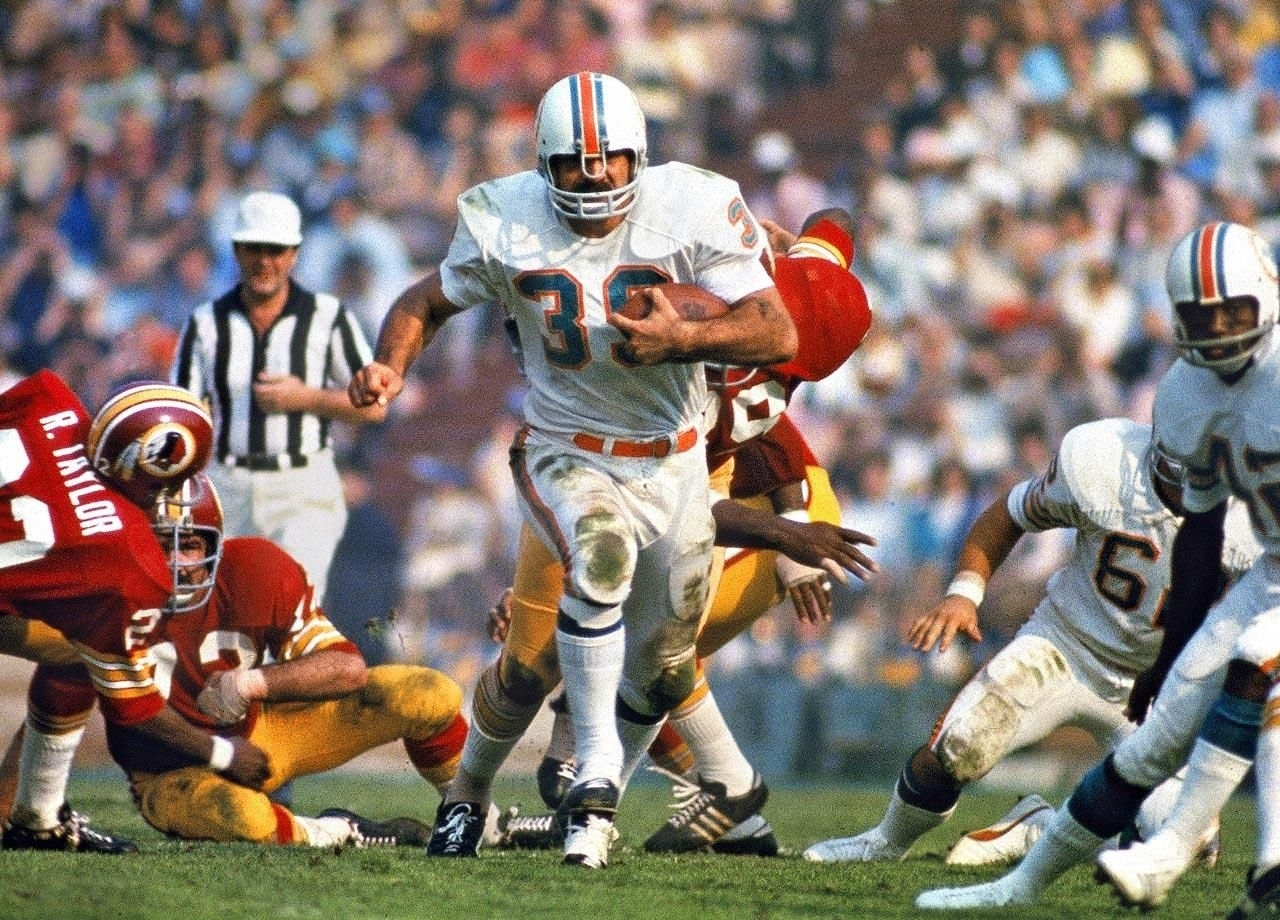 Si's 100 Best Super Bowl Photos | Nfl Photos, Nfl Dolphins, Nfl throughout Miami Dolphins 1972 Super Bowl Quarterback