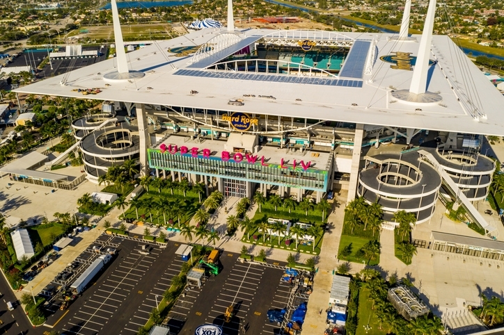Str: Miami Hotels Shatter Super Bowl Weekend Records with Miami Super Bowl Weekend