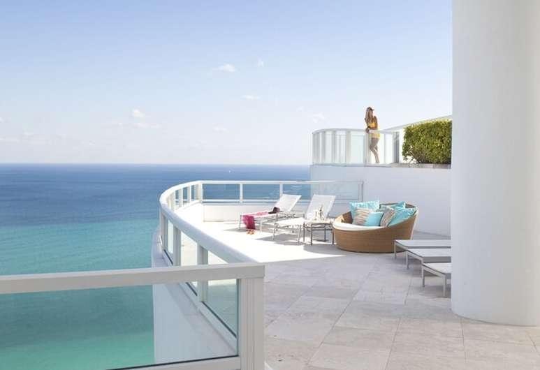 Book Fontainebleau Miami Beach In Miami Beach | Hotels throughout Fontainebleau Miami Beach Hotel Map