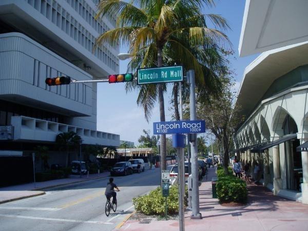 Lincoln Road Mall - Miami Beach, Florida throughout Map Of Lincoln Road Miami Beach